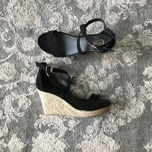 Candie's Black Strappy Wedges • sz 10